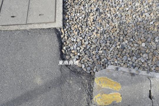 東浦町石浜青木4LDKは南東角地です。
