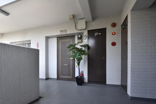 ユーハウス第二刈谷2B号室の玄関ドアです。