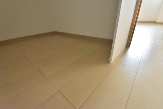 ユーハウス第二刈谷のウォークインクローゼットの床です。