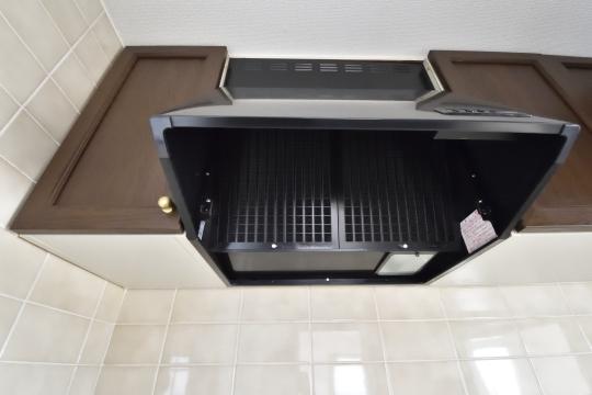 真栄マンション東刈谷601号室のキッチン換気扇です。