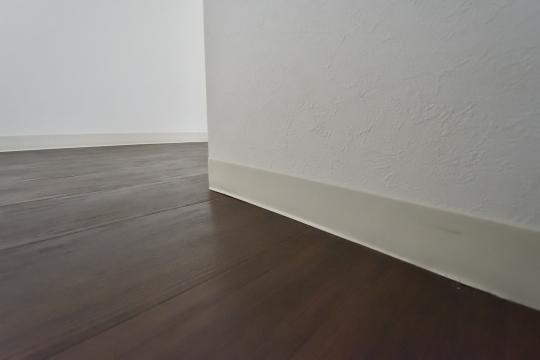 真栄マンション東刈谷601号室の廊下です。