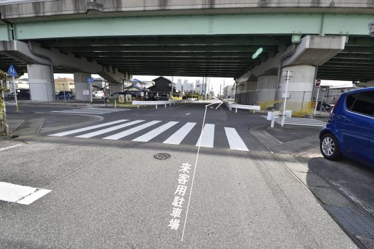 真栄マンション東刈谷の来客用駐車場への行き方です。