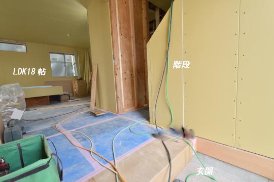 東浦町大字石浜字青木の新築戸建の階段の位置がわかります。
