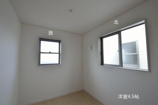 二階 洋室4.5帖