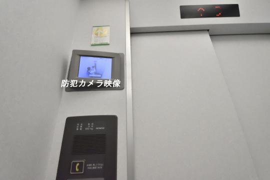 エルグランデ刈谷イーストウイングのエレベーター内の防犯カメラ映像です。