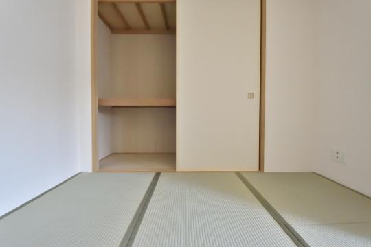 アトレ東刈谷グリーティングコートの和室押入れ。