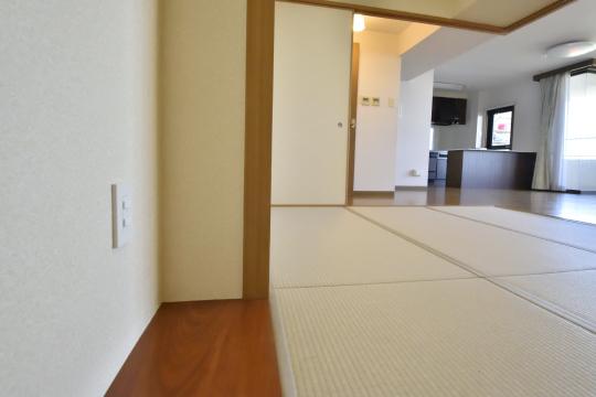 エルグランデ刈谷イーストウイングの和室の床の間です。