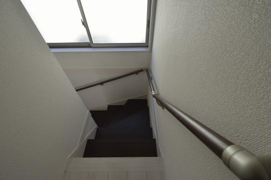 てすり付階段