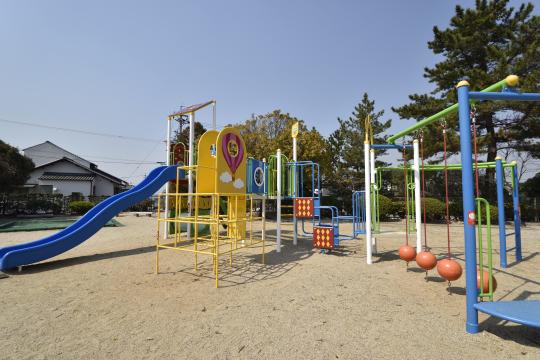 六果園公園の遊具。