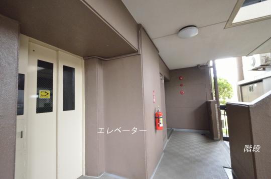 マンションエレベーター