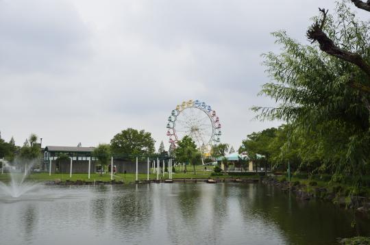 観覧車 遊具沢山ある公園