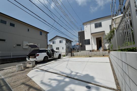 東浦町石浜青木の新築戸建は駐車場が4台スペースございます