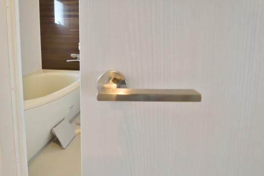 エスポア刈谷の洗面室ドアの取っ手部分