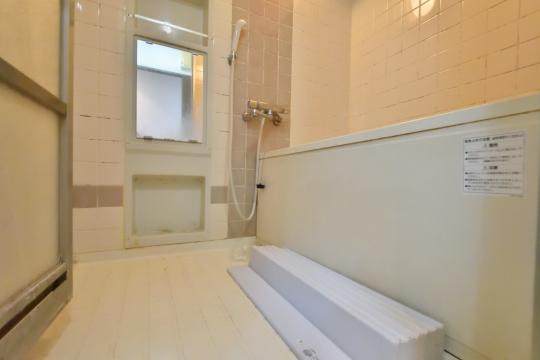 グローリアス刈谷の浴室