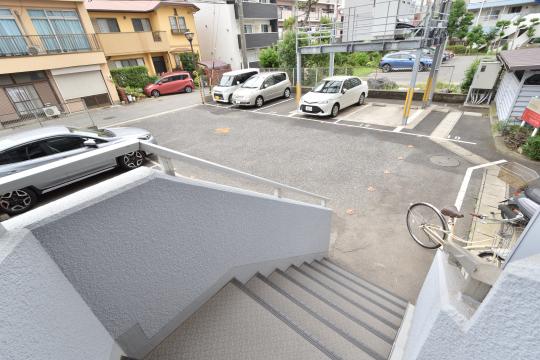 エスポア刈谷の1階階段部分