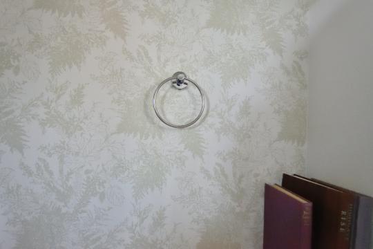 刈谷市大正町4丁目A棟2階トイレのタオル掛け