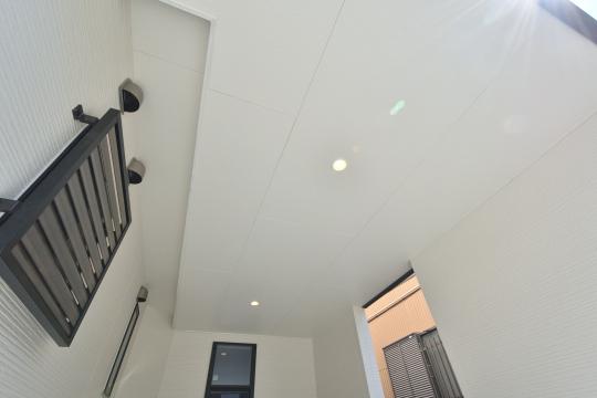 刈谷市大正町4丁目A棟ビルドインガレージ天井照明