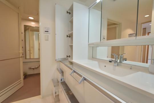 フレストスクエア刈谷逢妻の浴室