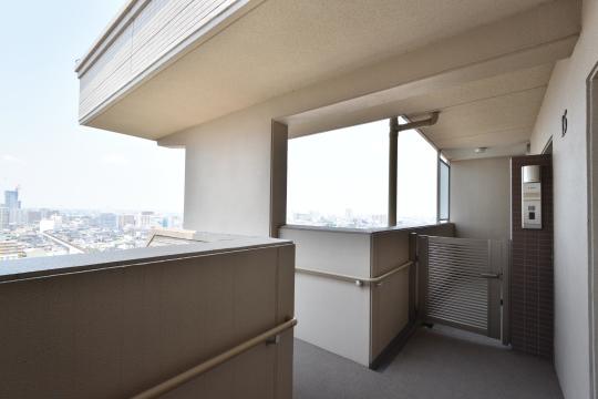 カルティア刈谷松坂15階の通路