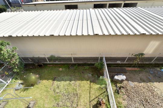 エスぺランタ安城の1階部分の庭を見下ろします