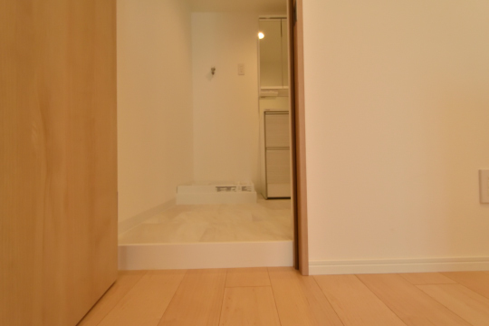 アーバンライフ東刈谷の洗面室には段差がございます